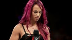 Raw 9/5/16: Sasha Banks addresses her back injury