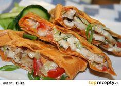 Zapékané tortilly s kuřecím masem a Nivou recept - TopRecepty.cz Pizza, Tacos, Mexican, Menu, Ethnic Recipes, Tortillas, Food, Wraps, Red Peppers