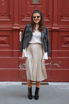 Pleated Metallic Midi Skirt Zara | Bell Sleeves Blouse H&M | Military Boots | Dior So Real | Fashionnes