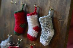 Christmas Crochet Free Pattern. Advent Calendar. Crochet Mini Stockings.
