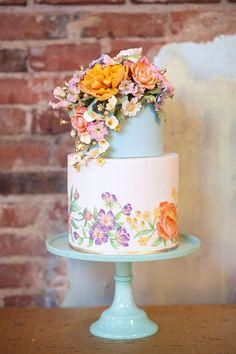 Que tal um bolo de casamento colorido? Escolha conforme o estilo da festa e tenha o bolo de casamento perfeito! Veja dicas e inspirações no blog. #cakeideas #bolodecasamento #weddingcakesideas #weddingcake #decoracaodecasamento #weddingdecor #flowers #flores #colorido Beautiful Wedding Cakes, Gorgeous Cakes, Pretty Cakes, Wedding Cake Designs, Cake Wedding, Decor Wedding, Wedding Decorations, Hand Painted Cakes, Wedding Cake Inspiration