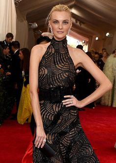 The 23 most unforgettable beauty looks from the Met Gala 2015 red carpet–Caroline Trentini.