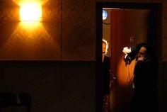 """""""Il servitore di due padroni"""", regia di Antonio #Latella. Foto di Brunella Giolivo. http://www.emiliaromagnateatro.com/spettacoli/il-servitore-di-due-padroni/"""
