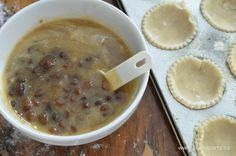 Butter Tarts with Raisins Recipe: My grandma's famous recipe, a Canadian classic. We love our butter tarts with raisins added to them. Tuesday Recipe, Raisin Recipes, Butter Tarts, Kinds Of Cookies, Famous Recipe, Dessert Recipes, Desserts, Christmas Baking, Baked Goods