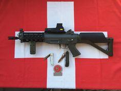 Sig Sauer, Cool Guns, Firearms, Edc, Weapons, Anime, Weapons Guns, Military, Guns