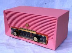 1947 Motorola Model 6T26M Bakelite Tube Radio