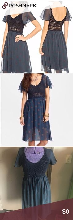 Free People Crochet Top Wildflowers Dress XS BRAND: Free People SIZE: XS (can fit up to a medium based on desired fit) CONDITION: Great Free People Dresses Midi