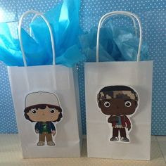 Stranger things party favor bags with handles - set of 10 st My Birthday Cake, 12th Birthday, Birthday Parties, Birthday Ideas, Stranger Things Halloween, Stranger Things Funny, Stranger Things Characters, Party Favor Bags, For Your Party