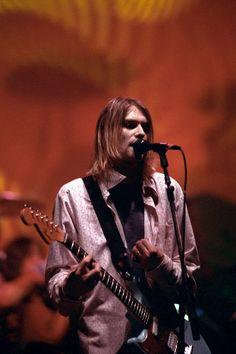Kurt Cobain, 1994. [x]