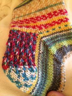 socks on a 12 inch circular needle: A sock miracle!
