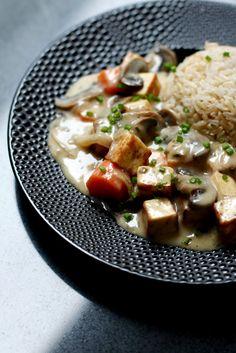 blanquette de tofu au lait de coco (vegan), Click web site other content Raw Food Recipes, Veggie Recipes, Healthy Recipes, Vegan Dishes, Food Dishes, Vegan Vegetarian, Vegetarian Recipes, Plat Vegan, Peruvian Recipes