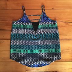 Pattern tank top Chevron tank from forever21!!!! NO TRADES. PRICE IS FINAL. Forever 21 Tops Tank Tops