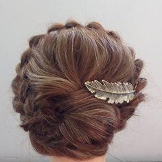Treccia a corona con chignon morbido. Acconciatura da matrimonio e anche per altri eventi. Instagram: katia_hairupdo #crownbraid#hairupdo#weddinghairstyle