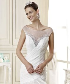 #Nicole #2015Collection  #wedding dress #nicolespose ► http://www.nicolespose.it/it/abito-da-sposa-Nicole--NIAB15101IV-2015?