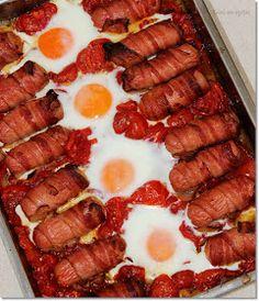 Gizi-receptjei: Lecsó baconos virslivel egyenesen a sütőből. Hot Dogs, Sausage, Bacon, Ethnic Recipes, Food, Red Peppers, Sausages, Essen, Meals