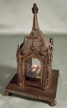 Antique Reliquary with A RARE Relic of St Martin...his tooth.