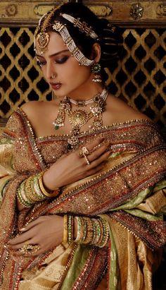Soma Sengupta Indian Bridal Jewellery- More is More! Indian Wedding Jewelry, Indian Jewelry, Indian Weddings, Indian Dresses, Indian Outfits, Indian Clothes, Rekha Saree, Rekha Actress, Indian Photoshoot