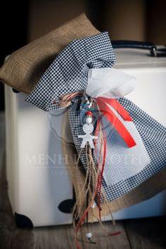 Βαλίτσα βάπτισης για αγόρι με λινάτσα, καρό ύφασμα και διακοσμητικό μεταλλικό αγοράκι Gift Wrapping, Organization, Gifts, Home Decor, Gift Wrapping Paper, Getting Organized, Organisation, Presents, Decoration Home