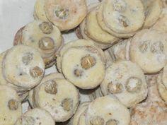 U mlsných lišek: Masarykovo cukroví Biscuits, Cosy Christmas, Baking Sheet, Powdered Sugar, Desert Recipes, Quick Easy Meals, Deserts, Oven, Muffin