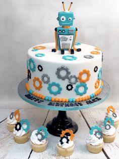 Robot Cupcakes, Robot Cake, Cupcake Cakes, Cool Cake Designs, Cake Design For Men, Robot Theme, 4th Birthday Cakes, Birthday Cake Decorating, Baby Toys