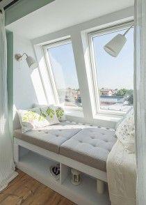 O mansardă cosy din Bucureștii Noi, unde două camere s-au făcut trei