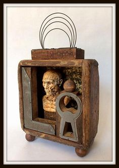 """Antonio G. Nuñez, """"The False Speech"""" (El Falso Discurso). Assemblage/ Vintage and new found objects. Sculpture Projects, Artistic Installation, Assemblages, Collage, Eye, Books, Vintage, Home Decor, Magic Box"""