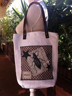 Petit sac cabas scarabée sur toile ancienne : Sacs à main par realisa