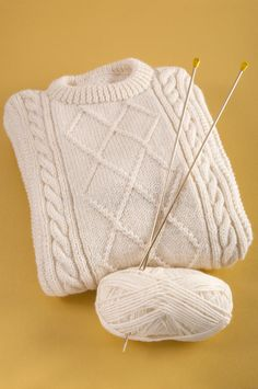 Download Homemade Woolen Sweater With Aran Cable Pattern Stock Photo - Image: 56007476