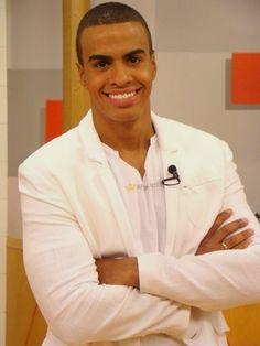 TV journalist Thiago Oliveira