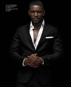 "Savage"" Donny Savage photographed by Marvin at uys Fine Black Men, Gorgeous Black Men, Handsome Black Men, Black Boys, Fine Men, Beautiful Men, Black Men In Suits, Black Man, Mens Suits"