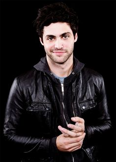 Welcome to Matthew Daddario Daily, your source for everything about the actor most known for portraying Alec Lightwood in the Freeform series Shadowhunters. Shadowhunters airs Monday's on. Matthew Daddario, Alec Lightwood, Hot Actors, Actors & Actresses, Shadowhunter Alec, Leather Jackets For Sale, Shadowhunters Tv Show, Fc B, Popular People