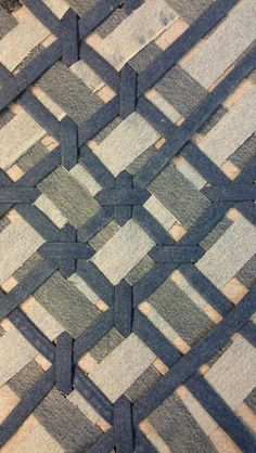 Upcycle denim weave from old jeans in the making. By Outi Les Pyy.