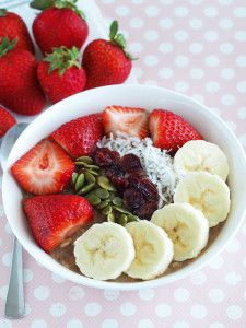 Good Ol' Banana Oatmeal - The Breakfast Drama Queen