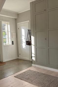 Farmhouse Interior, Interior And Exterior, Interior Design, Kitchen Room Design, Laundry Room Design, Small Hallways, Modern Stairs, Home Budget, Vintage Room