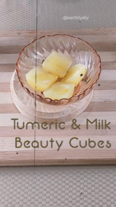 In this video,we will show you how to make simple 2 ingredient beauty cubes that aid in acne-fighting, skin brightening and the overall health and appearance of the skin. Key ingredients used in these recipes are Aloe vera, turmeric, rice water, milk and calendula. beauty cubes diy, diy skin care, diy face serum, turmeric for skin, calendula for skin, aloe benefits for skin, aloe vera facial treatment, acne skin treatment, sensitive skin, clear skin, eczema, overnight skin treatment, anti-ageing Diy Beauty, Beauty Tips, Beauty Products, Beauty Hacks, Homemade Skin Care, Diy Skin Care, Skin Care Tips, Aloe Vera Facial, Aloe Vera For Skin
