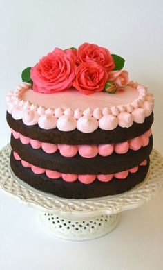 - December 09 2018 at - and Inspiration - Yummy Sweet Meals And Chocolates - Bakery Recipes Ideas - And Kitchen Motivation - Delicious Sweets - Comfort Foods - Fans Of Food Addiction - Decadent Lifestyle Choices Buttercream Decorating, Easy Cake Decorating, Buttercream Cake, Meringue Cake, Decorating Ideas, Decor Ideas, Pretty Cakes, Cute Cakes, Beautiful Cakes