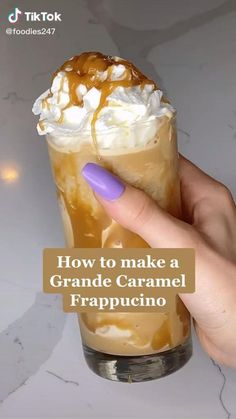 Dessert Drinks, Yummy Drinks, Yummy Food, Café Starbucks, Starbucks Drink Menu, Secret Starbucks Recipes, Starbucks Hacks, Healthy Starbucks Drinks, Coffee Drink Recipes