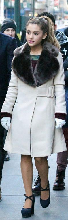 Ariana Grande... her coat <3<3