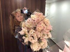 Get your bunches ☎️💖💋 #sendinglovehome #flowerpower 💞💗💋💙💚💘💟🌴💏 #bouquet #flowers #chislehurst #localflorist #flowerdelivery Crown, Jewelry, Instagram, Fashion, Moda, Corona, Jewlery, Jewerly, Fashion Styles