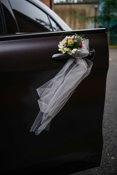 Wedding Car Decoration Wedding Car Floral DesignFlowers for Wedding Car Europe… - Wedding Ideen Wedding Car Decorations, Wedding Cars, Ring Holder Wedding, Wedding Ring, Floral Wedding, Bridal Car, Luxury Cars, Most Beautiful Pictures, Floral Design