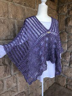 Ravelry: Shaina pattern by Yumiko Alexander Crochet Poncho Patterns, Crochet Shawl, Crochet Stitches, Crochet Top, Knitting Patterns, Knitted Cape, Ravelry, Cardigans, Women