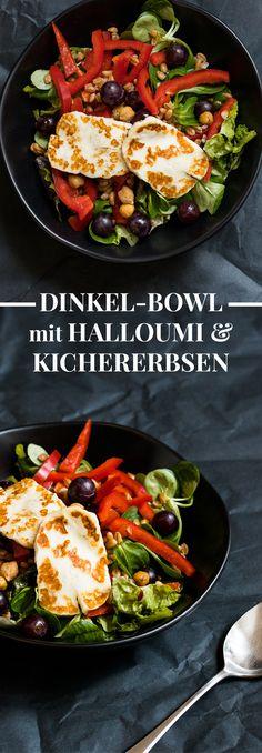 Lunchbowl Idee, die nach Sommer schmeckt: Kichererbsen, Halloumi, Salat und ein ratzfatz Zitronendressing, fertig ist das schnelle Mittagessen zum Mitnehmen!
