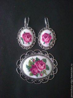 """Купить Кулон """"Английская роза"""" - белый, вышитый кулон, микровышивка, petit…"""