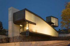 A very unique take on a modern house for a narrow lot   Bernalte-León y Associates   Madrid, Spain