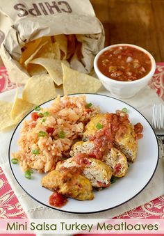 Mini Salsa Turkey Meatloaves are a healthy and flavor-packed 30 minute meal.  | iowagirleats.com