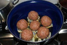 Dit zijn de lekkerste gehaktballen van de hele wereld. Of in ieder geval, de lekkerste die ik tot nu toe proefde. Het recept is afkomstig van ...