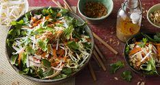 Vietnamese Chicken Salad Just Cooking, Cooking Tips, Cooking Recipes, Vietnamese Chicken Salad, Shredded Chicken, Salad Recipes, Healthy Snacks, Salads, Salad