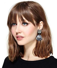 Medium Bob Hairstyles 2019 The All Time Favorite Bob Hairstyles for Women Asymmetrical Bob Haircuts, Stacked Bob Hairstyles, Medium Bob Hairstyles, Haircuts With Bangs, Blonde Hairstyles, Boxie Cut, Medium Hair Styles, Short Hair Styles, Medium Blonde Hair