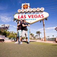 """Unter dem Motto """"Rocking dentistry for 3 decades"""" feierte #Sirona mit 6.000 Zahnärzten und Zahntechnikern aus aller Welt das beeindruckendste Dentalevent des Jahres. Mit der Kamera mittendrin: Das Bewegtbildteam von LINGNER.COM. http://lingner.com/themen/las-vegas-cerec-30/ #Agentur #B2B #Vegas #Bewegtbild #Eventdoku #Produktfilm"""