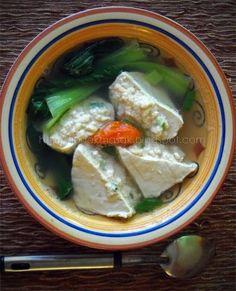 Dapur Ipoek: Baso Tahu Udang (Batagor dan Baso Tahu Kuah) Healthy Casserole Recipes, Soup Recipes, Cooking Recipes, Healthy Recipes, Malaysian Food, How To Eat Better, Indonesian Food, Savory Snacks, Food Hacks